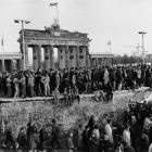 Barbara Klemm. Berlyno sienos griūtis, 1989 m. lapkričio 10 d.  © Barbara Klemm