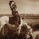 """""""Ramybės"""" galerijoje Edward S. Curtis fotografijų paroda """"Šešėlių gaudytojas"""""""